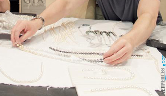 Stringing pearl necklaces
